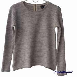 Club Monaco women's knitted top. Size Small.